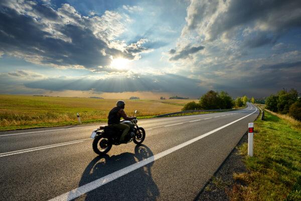 iStock 1140461954 600x400 - ¿Dónde puedo aparcar mi moto?