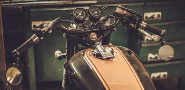 uo 600x293 - Consejos para cuidar tu moto eléctrica
